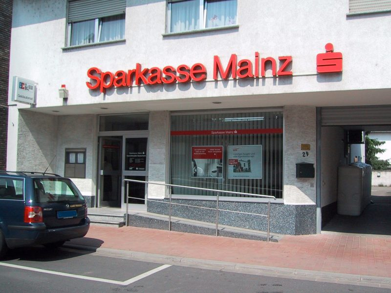 SB-Center der Sparkasse Mainz in Nackenheim